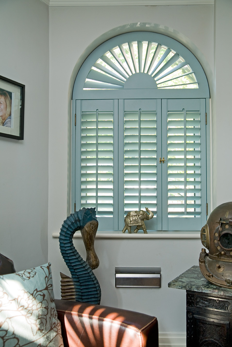 Interior blinds 2017 grasscloth wallpaper Are plantation shutters still in style 2017